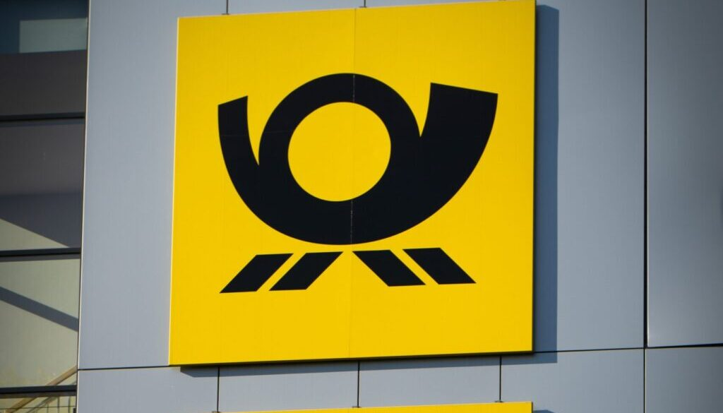 yellow and black no smoking sign